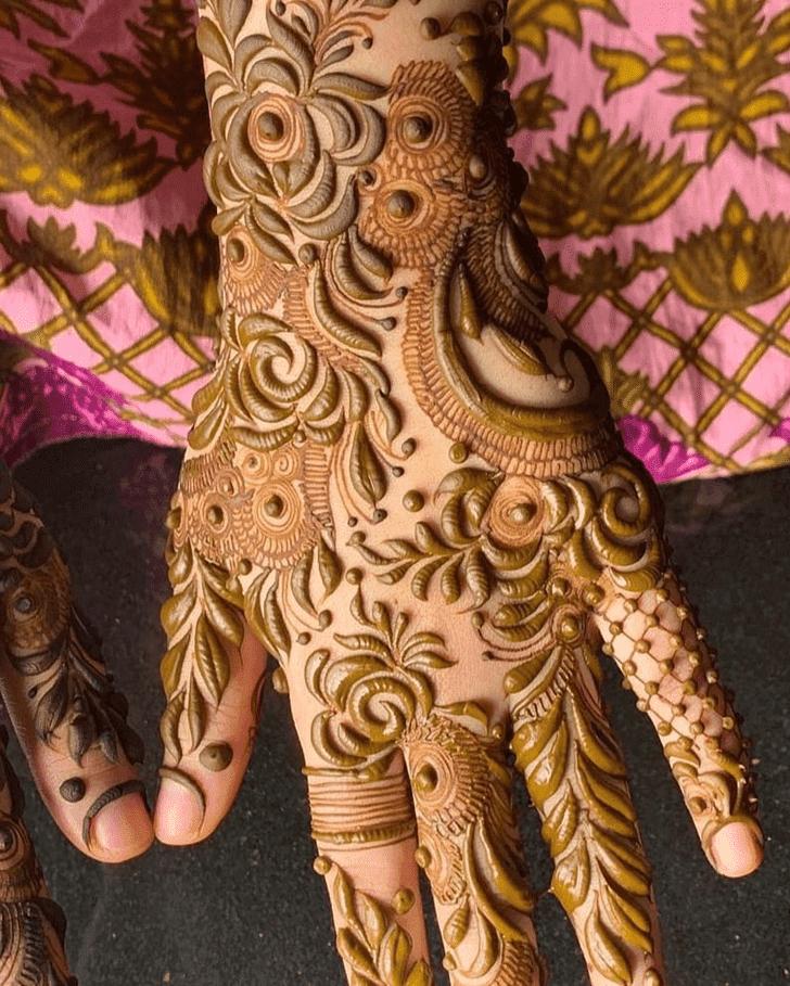 Admirable Bengali Mehndi Design