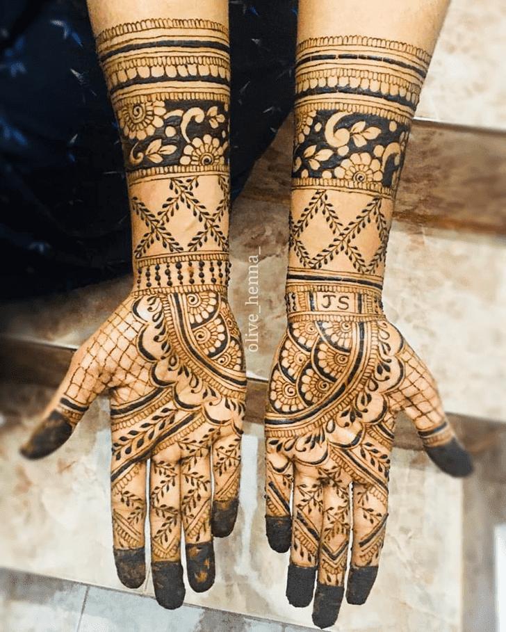 Alluring Bengali Henna Design