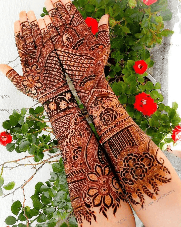 Classy Bengali Henna Design