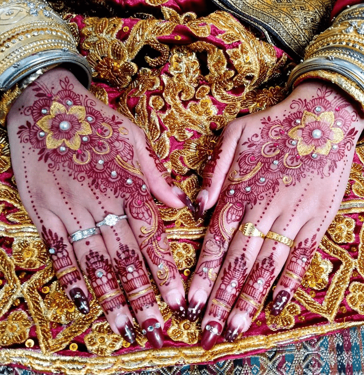 Captivating Bhai Dooj Henna Design