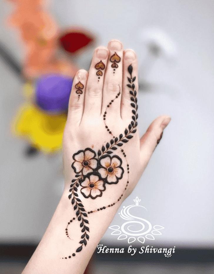 Comely Bhubaneswar Henna Design