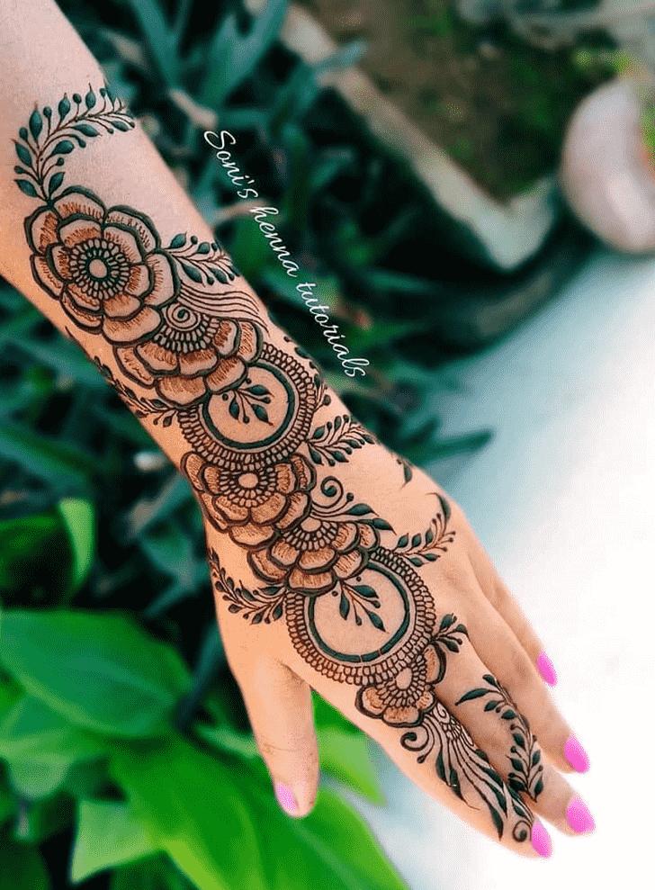 Exquisite Bhubaneswar Henna Design