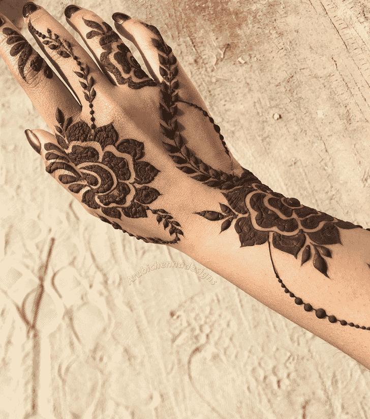Refined Bhubaneswar Henna Design