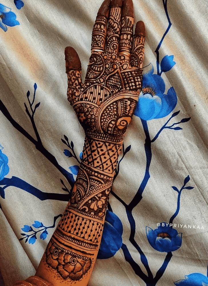 Shapely Bhubaneswar Henna Design