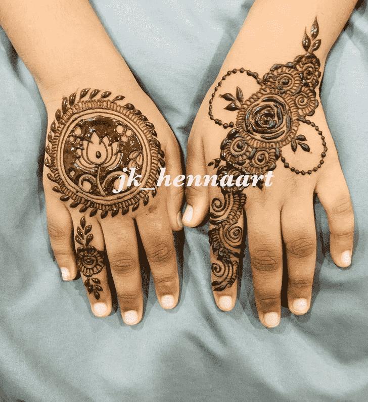 Adorable Bhuj Henna Design
