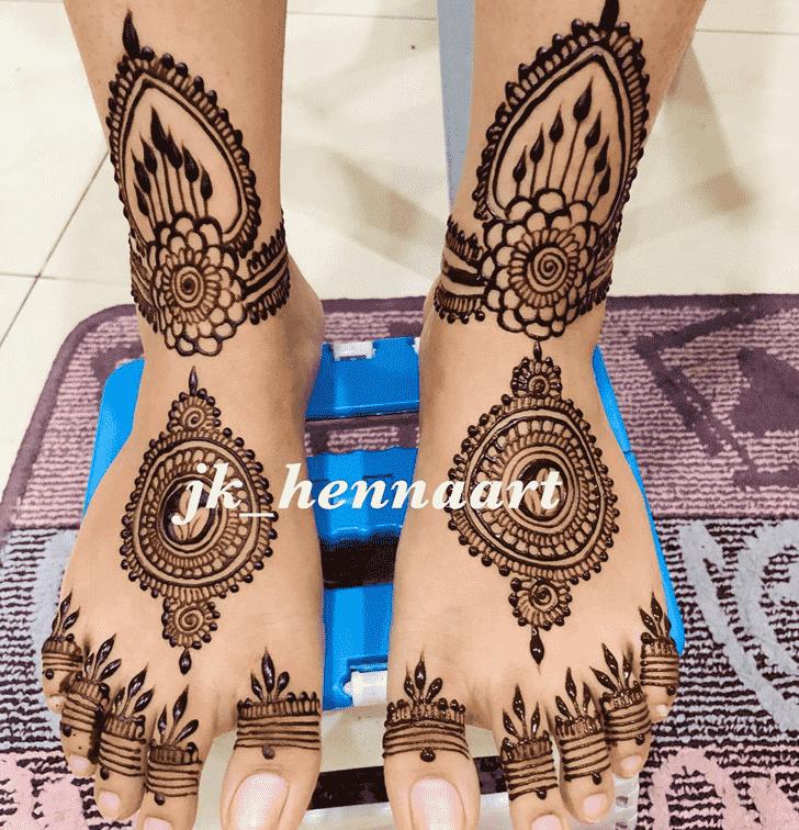Appealing Bhuj Henna Design