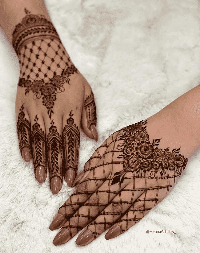 Captivating Biratnagar Henna Design