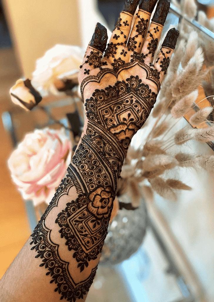 Admirable Black Mehndi design
