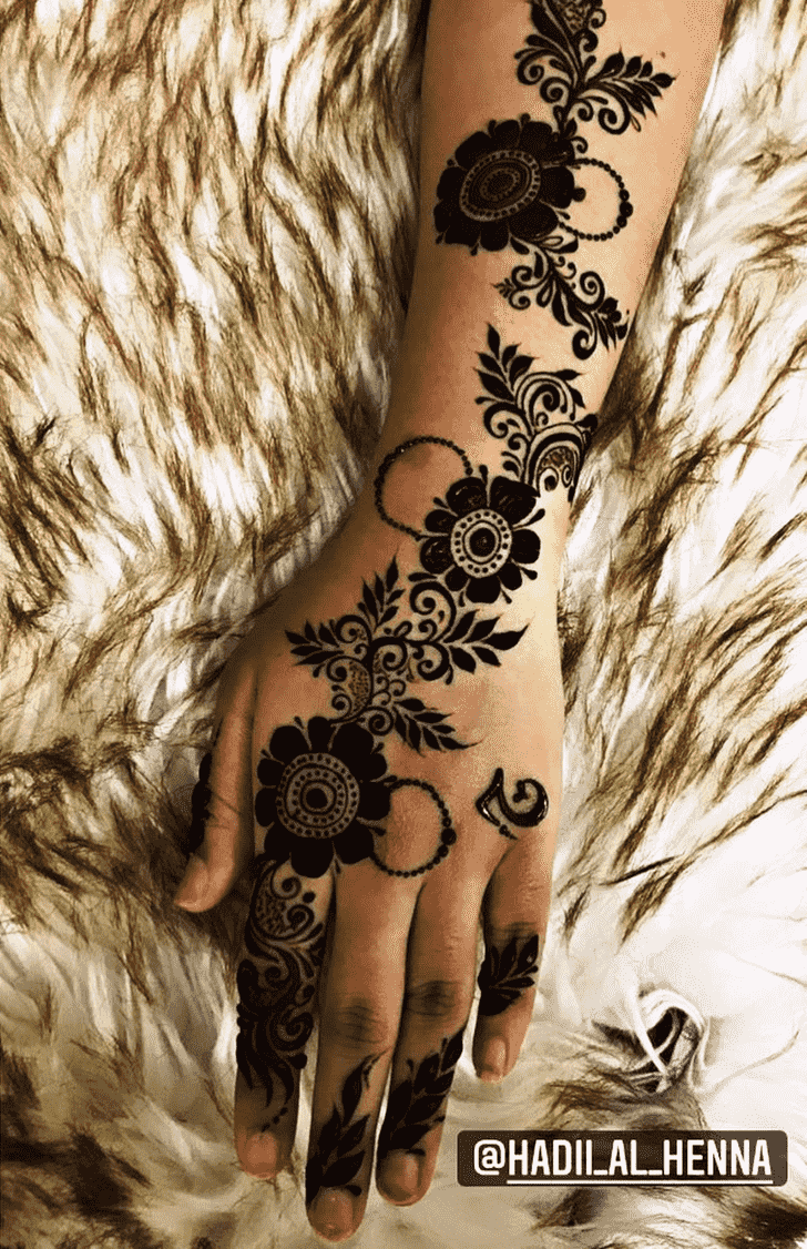 Charming Black Henna design