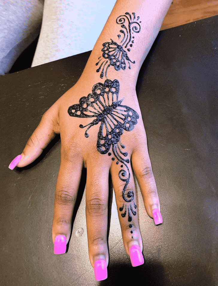 Fascinating Black Henna design