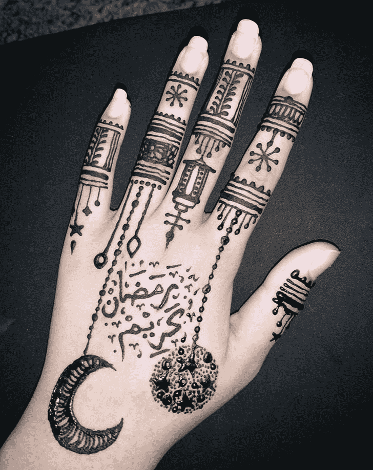 Good Looking Black Henna design