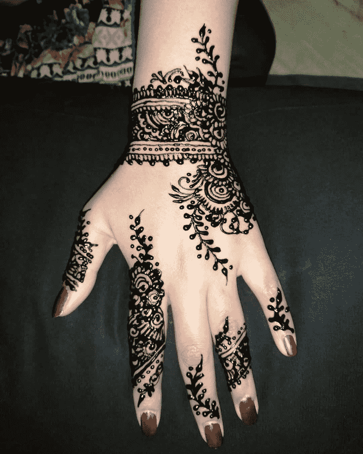 Gorgeous Black Henna design