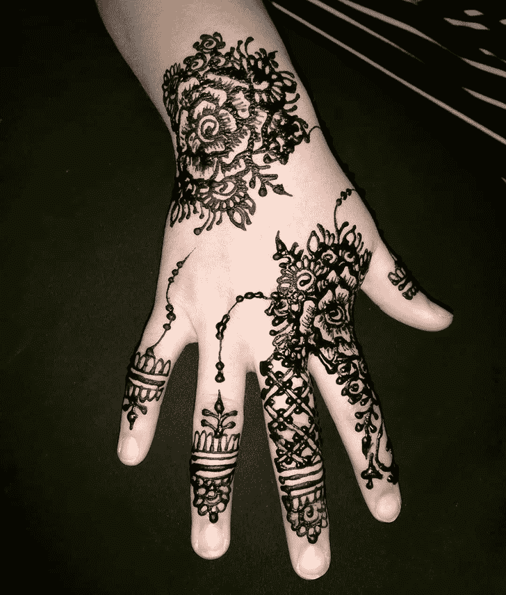 Graceful Black Henna design