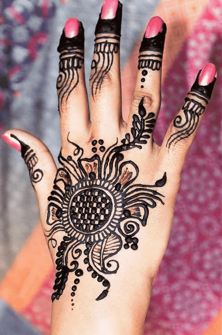 Magnetic Black Henna design