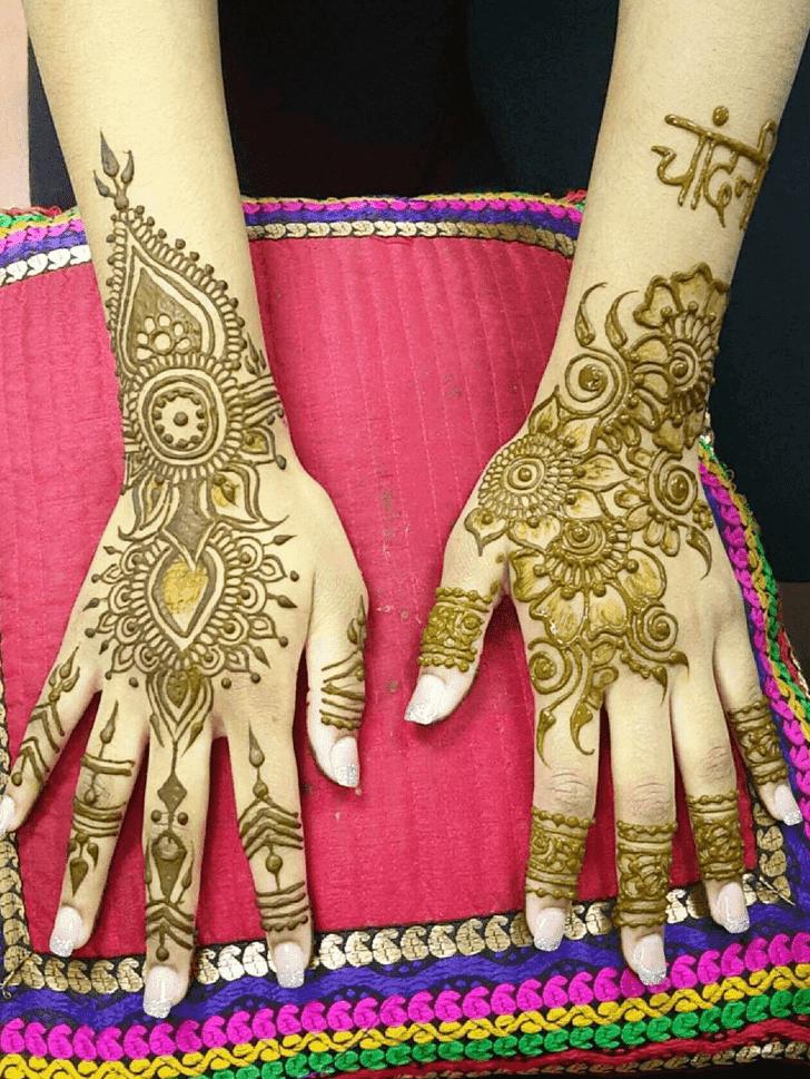 Alluring Bombay Style Henna Design
