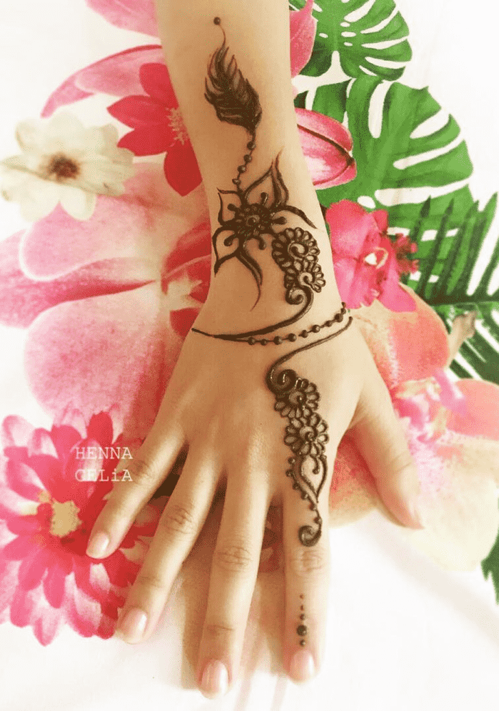 Bewitching Bracelet Henna Design