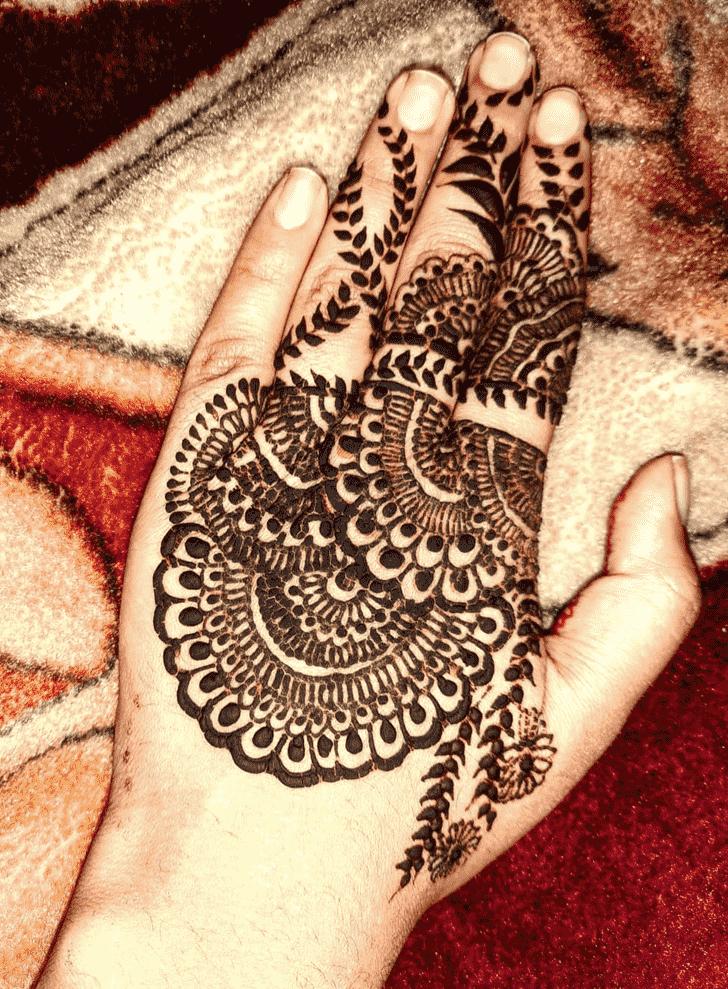 Admirable Bridal Mehndi Design