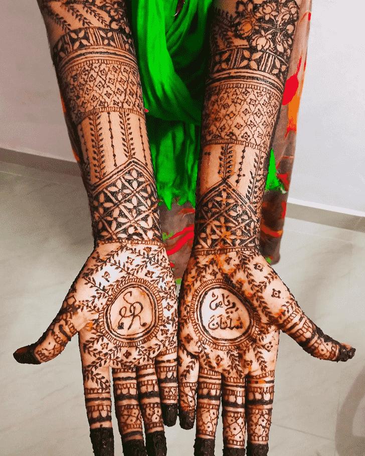 Alluring Bridal Henna Design