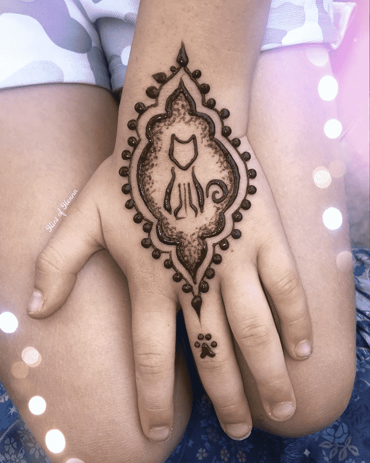 Charming Cat Henna Design