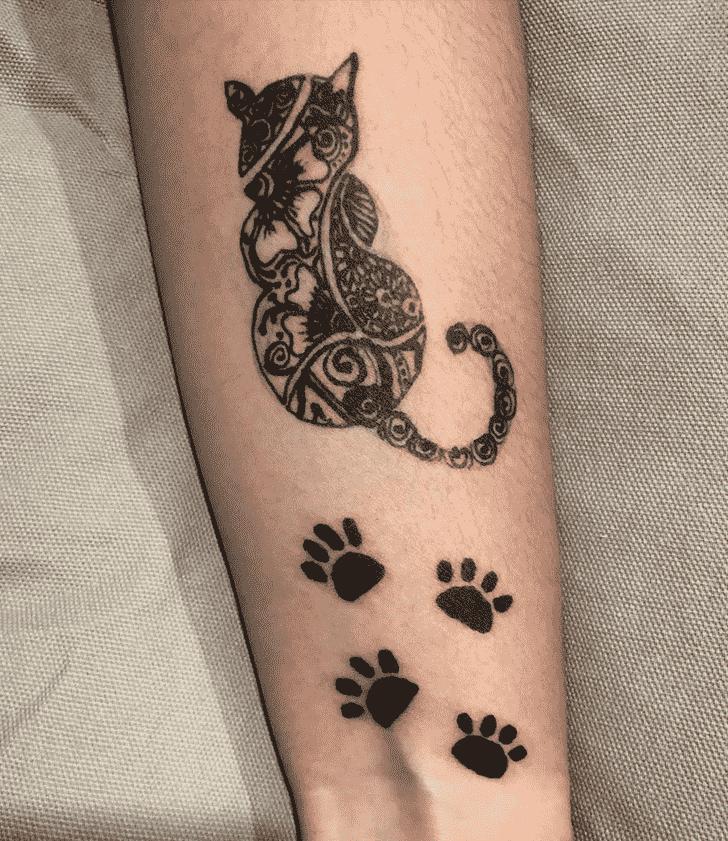Dazzling Cat Henna Design