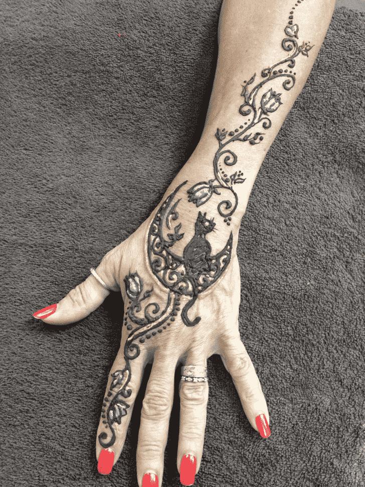 Inviting Cat Henna Design