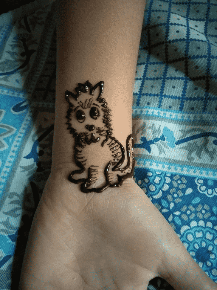 Magnetic Cat Henna Design