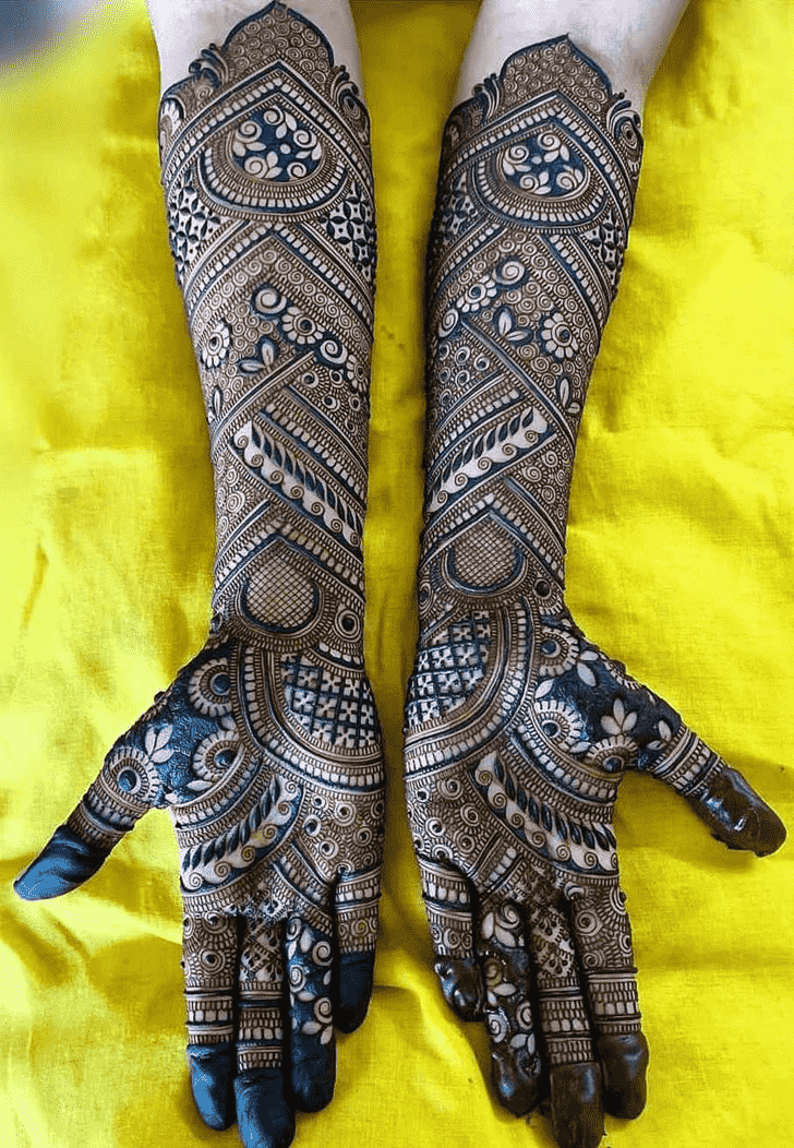 Admirable Celebrity Mehndi Design
