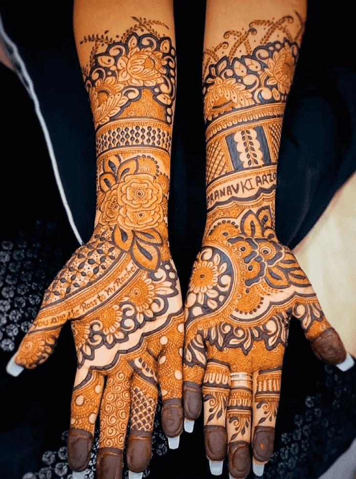 Charming Celebrity Henna Design