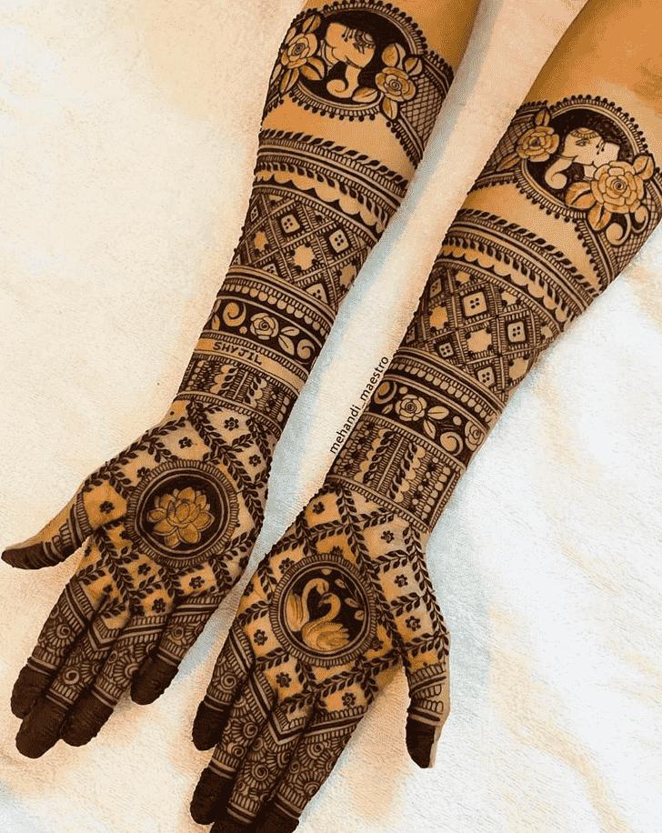 Classy Celebrity Henna Design