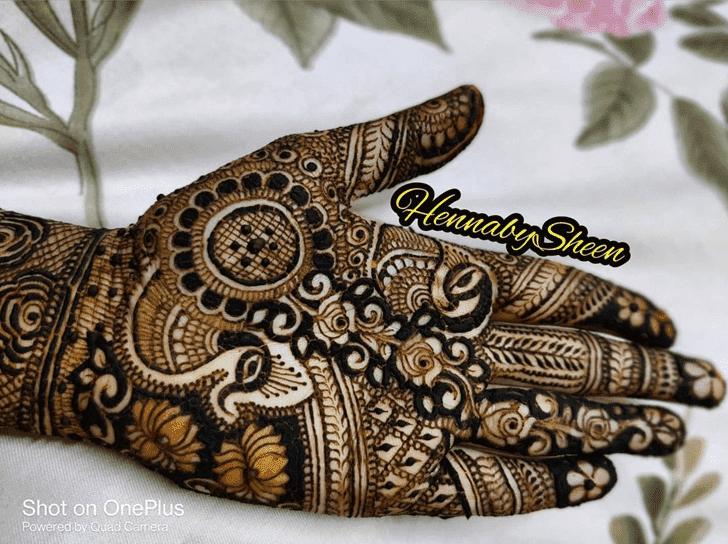 Ideal Chhath Puja Henna Design
