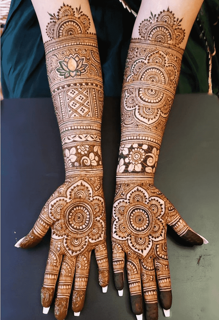 Charming Chicago Henna Design
