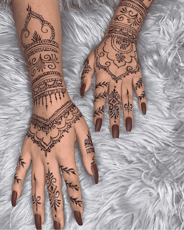 Delightful Chicago Henna Design