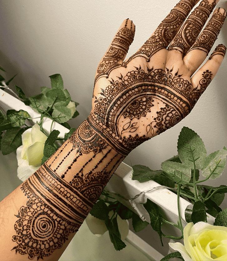 Elegant Chicago Henna Design
