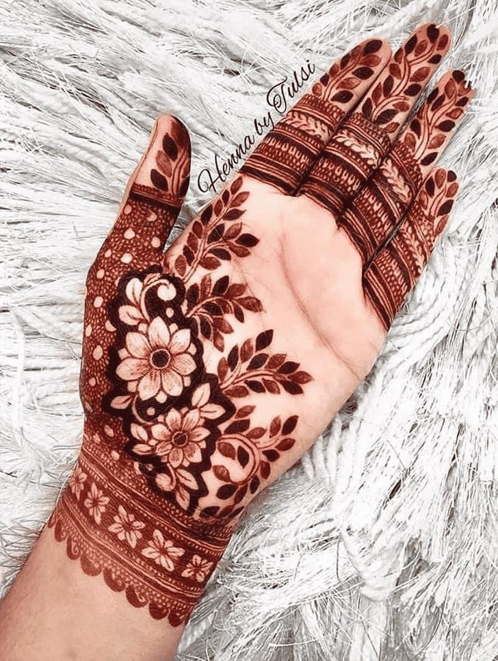 Enticing Chicago Henna Design