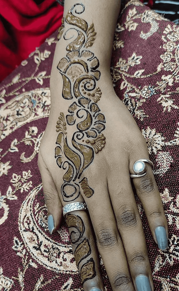 Fascinating Chicago Henna Design