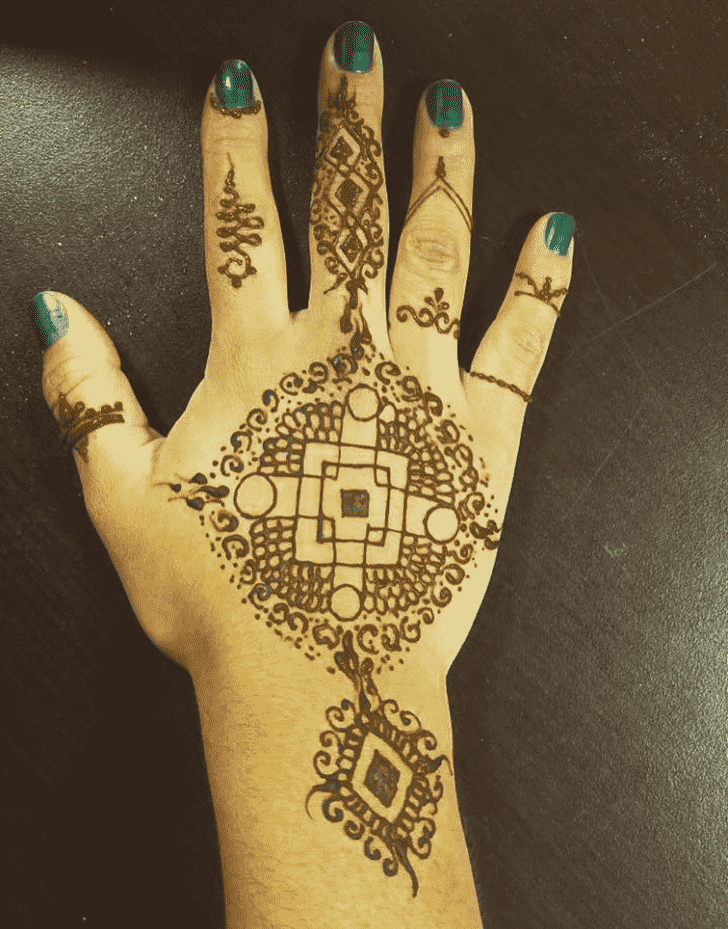 Graceful Chicago Henna Design