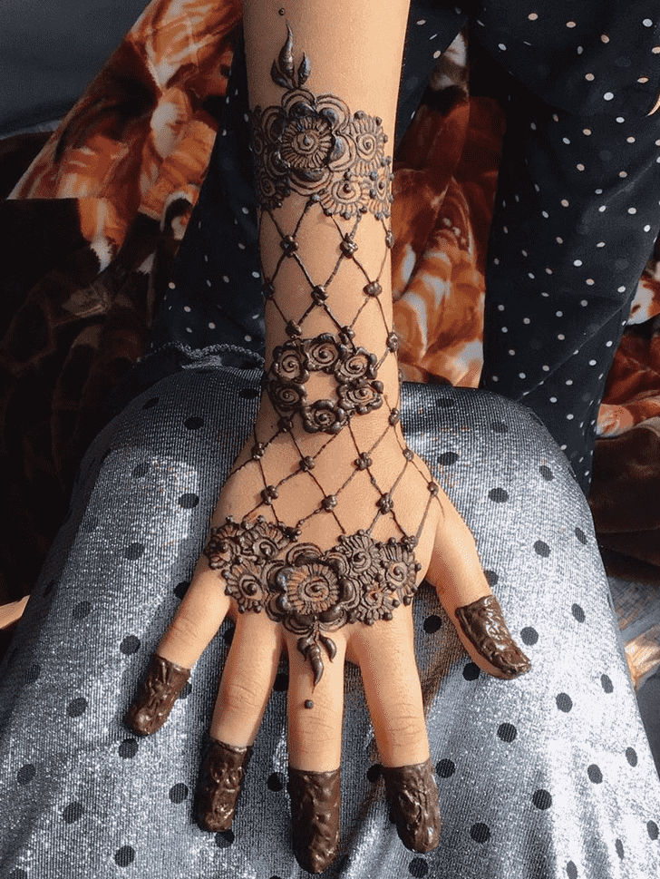 Radiant Chicago Henna Design
