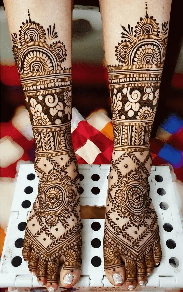 Refined Chicago Henna Design