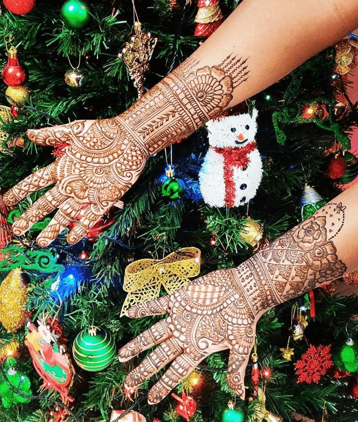 Adorable Christmas Henna Design
