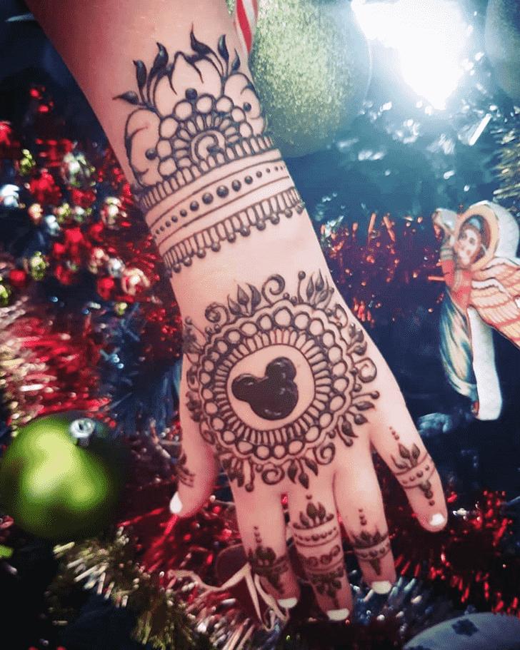 Appealing Christmas Henna Design