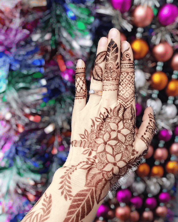 Bewitching Christmas Henna Design