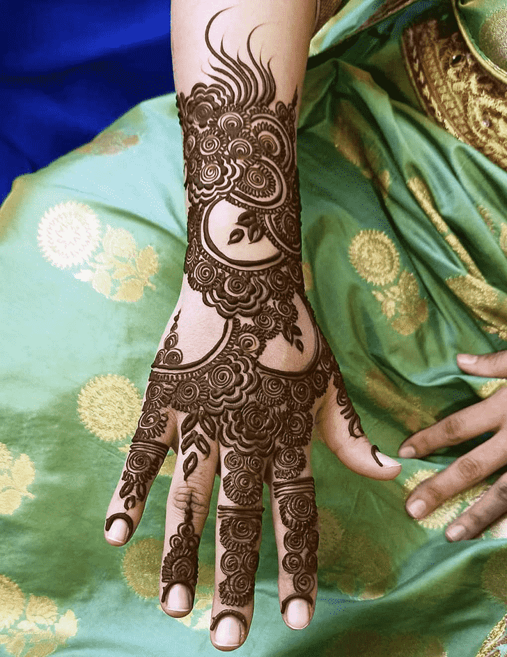 Shapely Coimbatore Henna Design