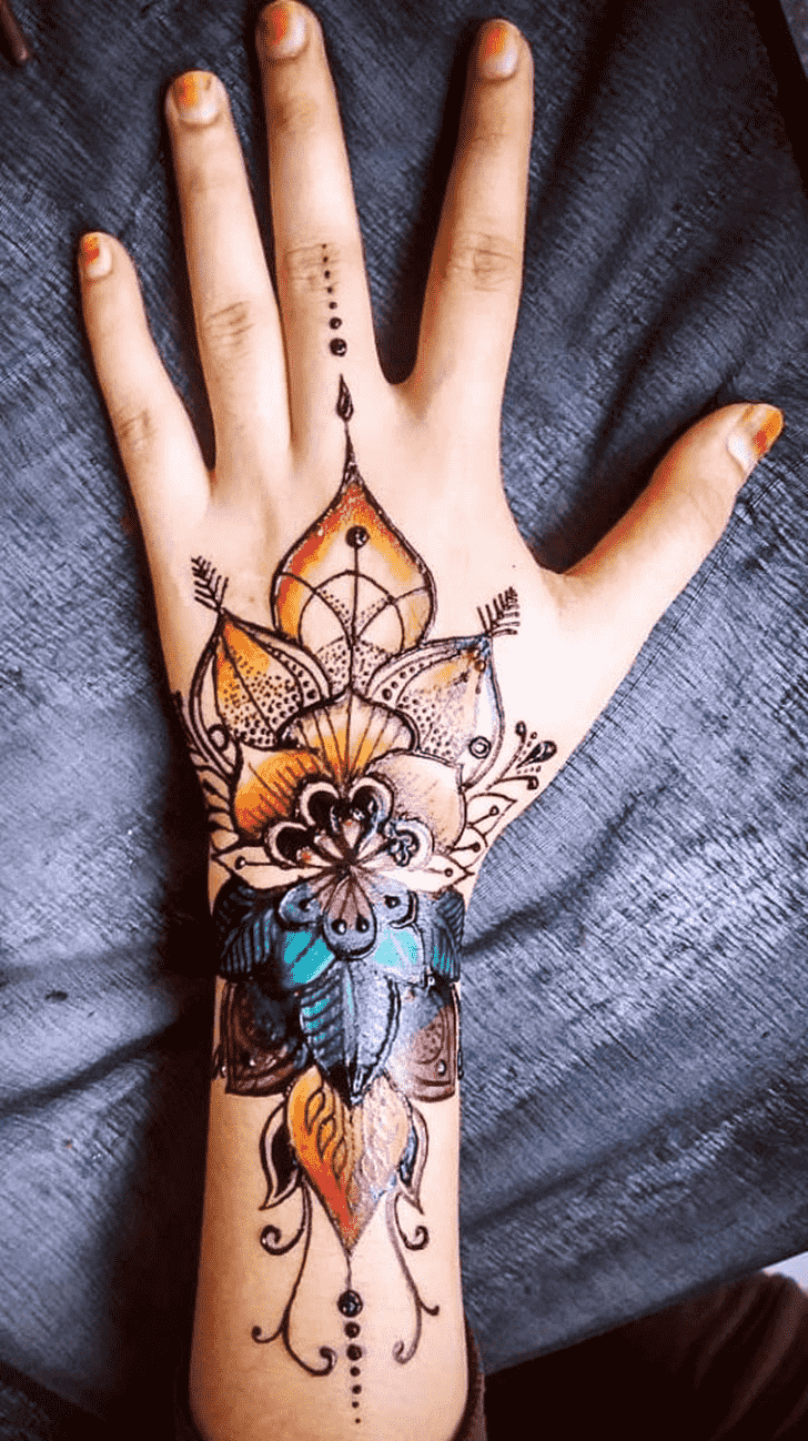 Bewitching Coloured Henna Design
