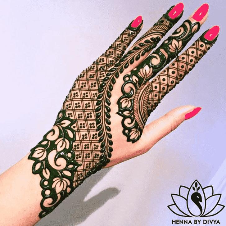 Captivating Coloured Henna Design