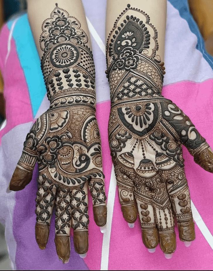 Alluring Comilla Henna Design