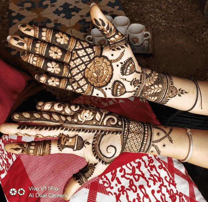 Arm Comilla Henna Design