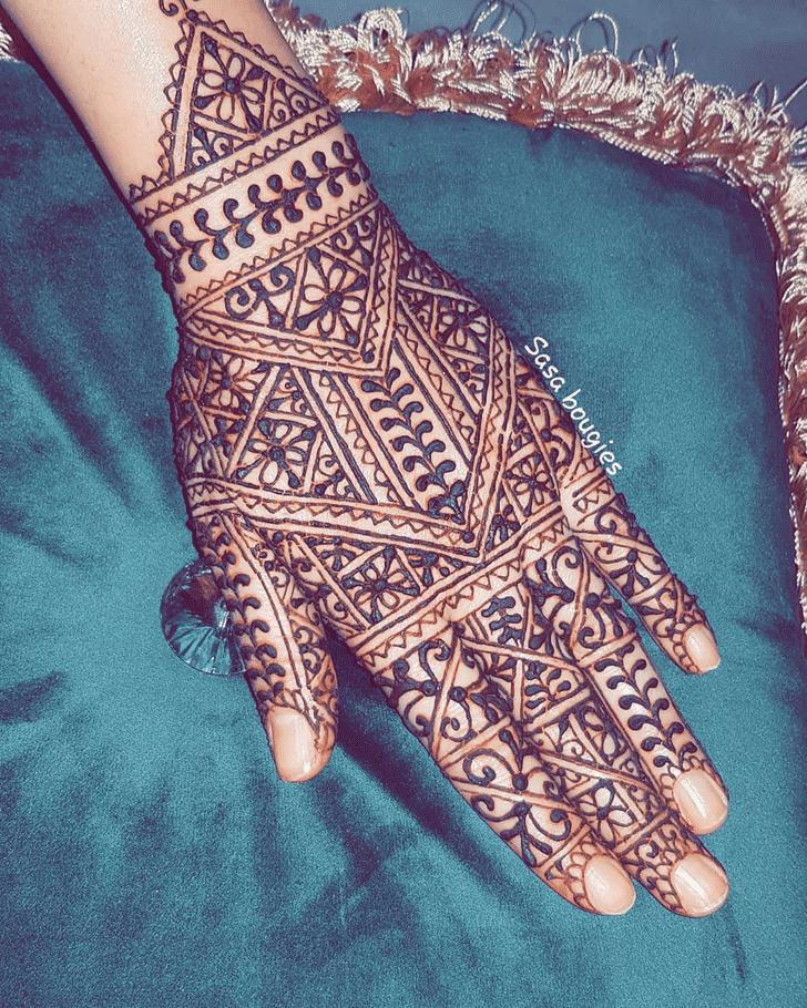 Enthralling Comilla Henna Design