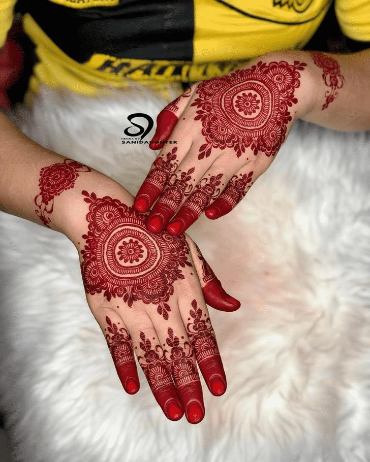 Fetching Comilla Henna Design