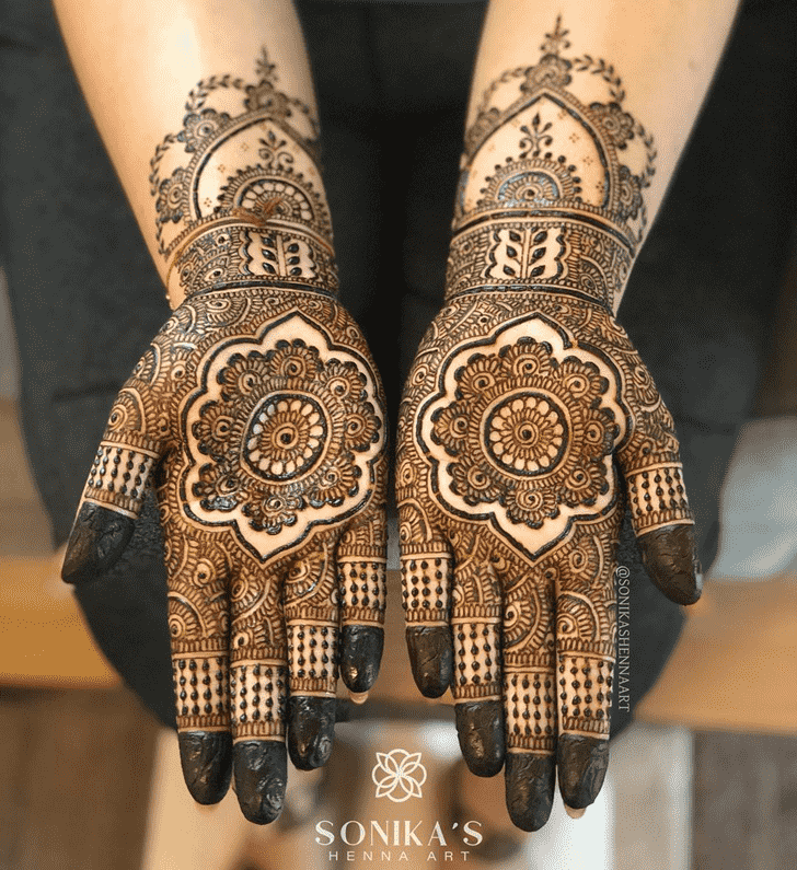 Ideal Comilla Henna Design