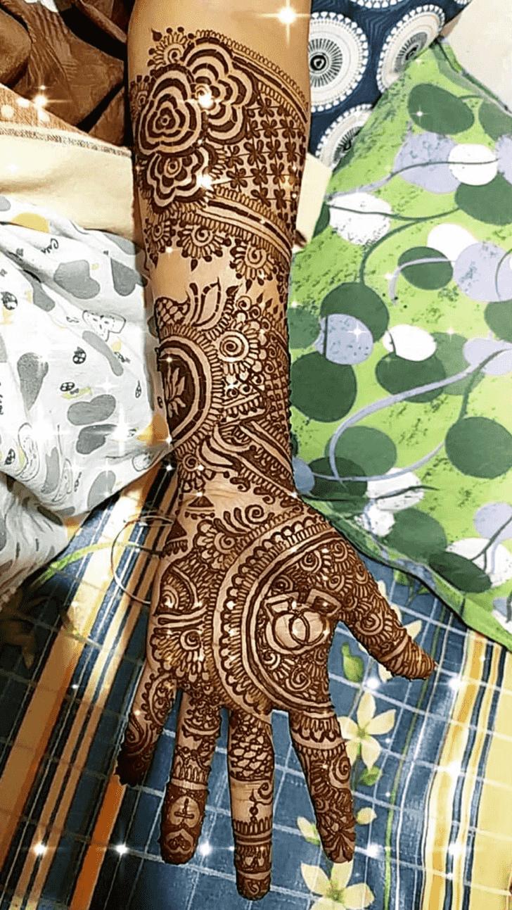 Refined Comilla Henna Design